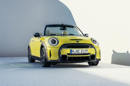 MINI Convertible Special Editions 1.5 Cooper Shadow Edition 2dr [Comfort/Nav Pack]