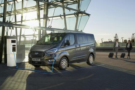 Ford Tourneo Custom L2 Diesel Fwd 2.0 EcoBlue 130ps Low Roof 9 Seater Auto